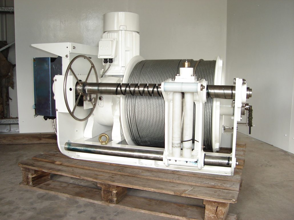 Electric winches seismic cable